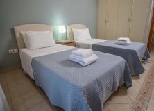 Agios-Ioannis-Villas-Interior-Lefkada-Twin-Bedroom-11