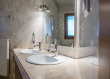 Agios-Ioannis-Villas-Interior-Lefkada-Twin-Bedroom-14