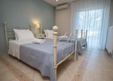 Agios-Ioannis-Villas-Interior-Lefkada-Twin-Bedroom-4