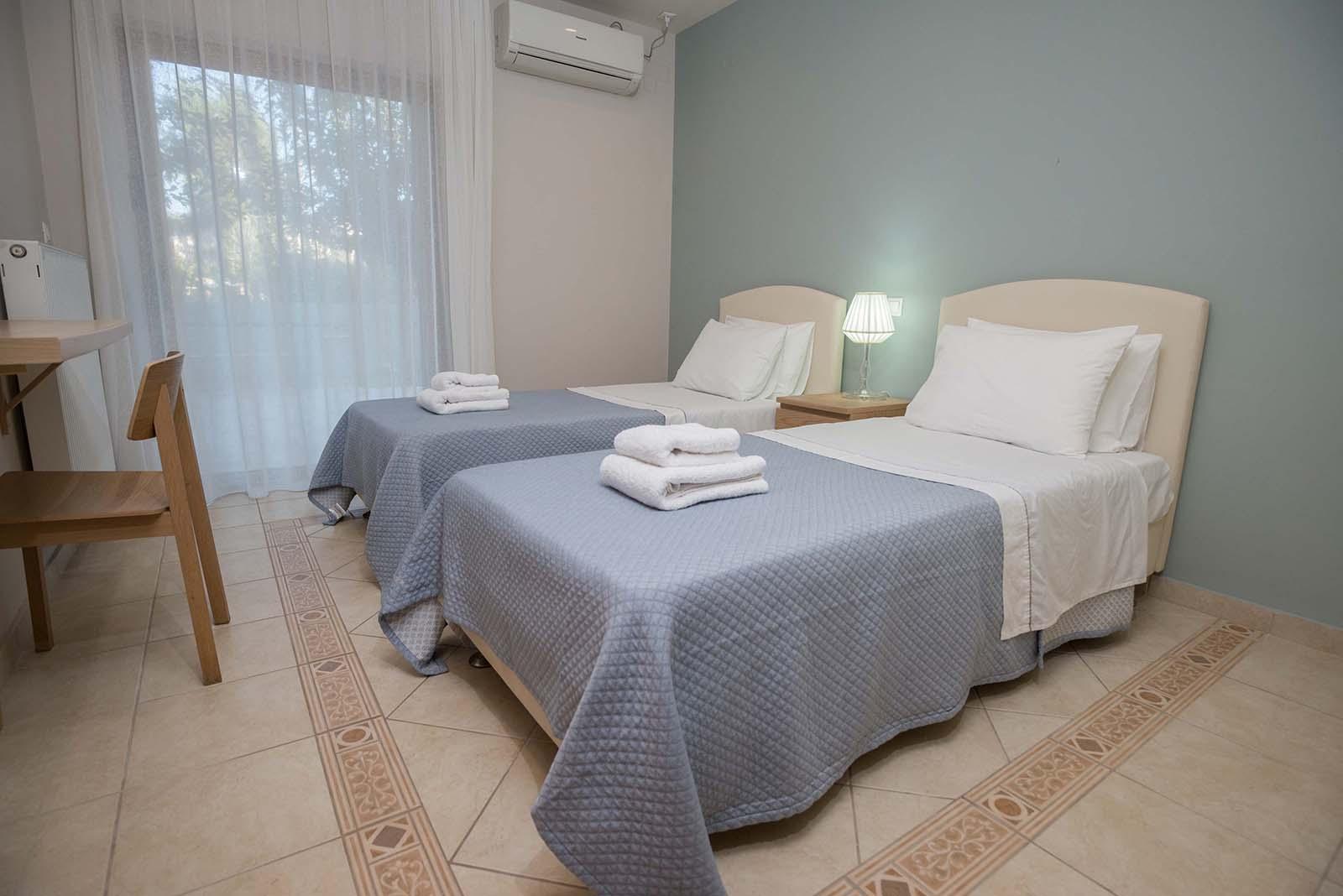 Agios Ioannis Villas Interior Lefkada Twin Bedroom